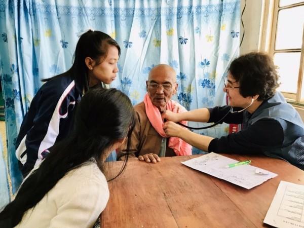 11-미얀마의료선교.jpg